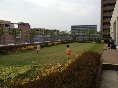 3F 屋上庭園